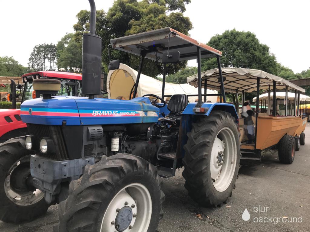 まかいの牧場 トラクターバス