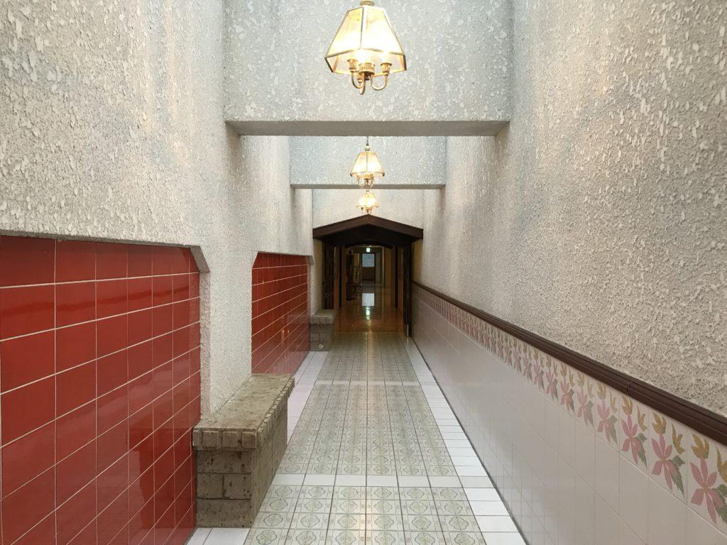 展望大浴場へ続く廊下