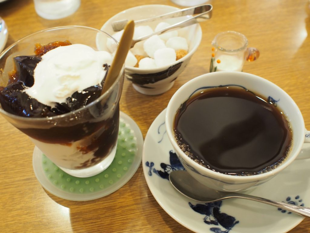 舟小屋ブレンドコーヒーとコーヒーゼリーパフェ