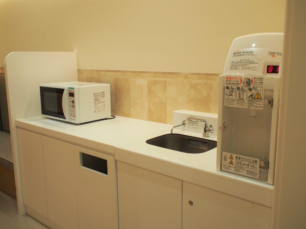 調乳専用浄水給湯器とレンジ